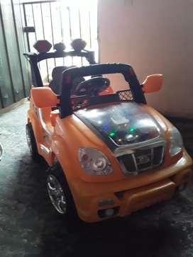 Vendo carro para niño o niña