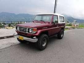 Toyota land Cruiser 4.5  2001