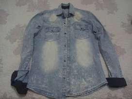 Camisa de jean, talle S, elastizada