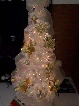 Arbol de navidad con lunes y todos los adornos de 2metros