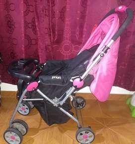 Vendo coche de niña nuevo y lote de ropa de bebé