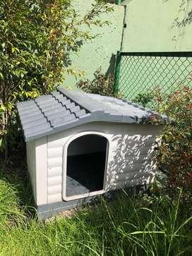 Casa para mascota tamaño mediano