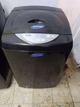 Lavadora Samsung digital de 20 lbs