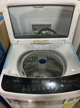 Lavadora LG 27 libras como nueva 4 meses de uso