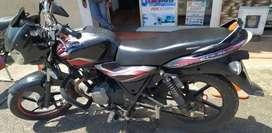 se vende moto discovery con todos los papeles al dia,SUPER Económica