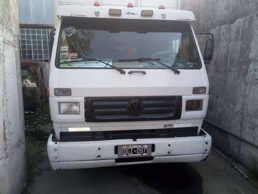 Chofer  y acompañante para camión reparto con domicilio en zona sur en especial Lanús Avellaneda 0