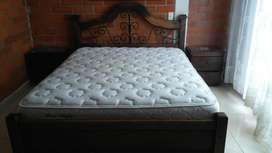 Cama doble con colchón incluido