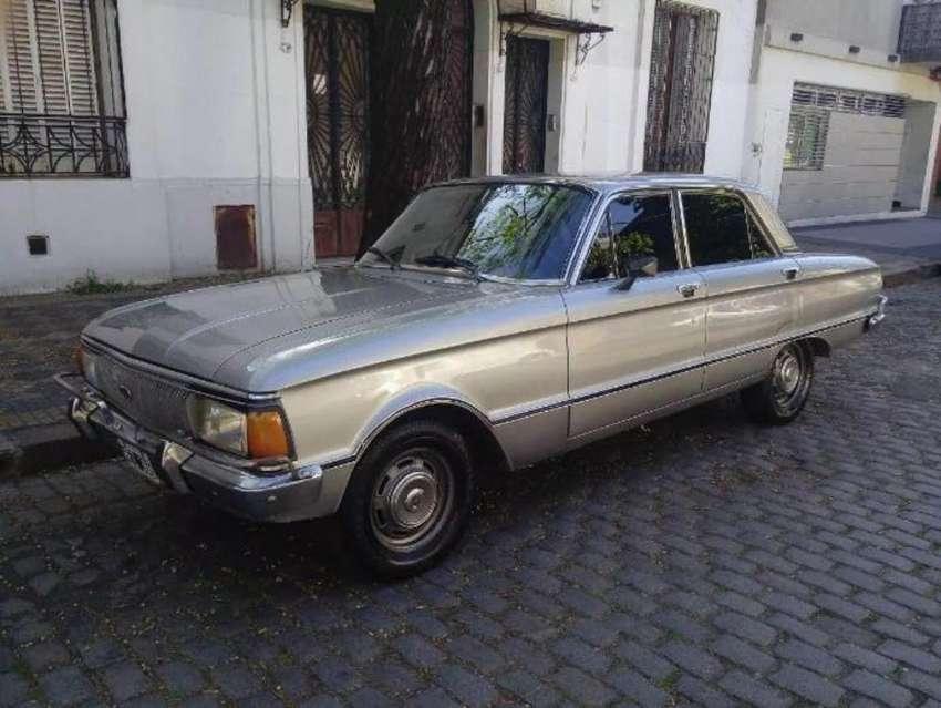 Ford Falcon Deluxe 81 de Coleccion 0