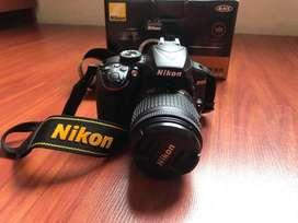 Camara Reflex Nikon D3400 lentevr18-55