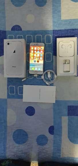 VENDO IPHONE 8 64GB SILVER