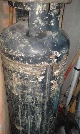 tubo 45kg. gas vacio vigente.
