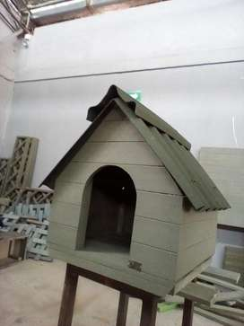 Casa de Perros EN MADERA PLÁSTICA