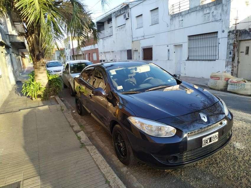 [Renault Fluence 1.6 - 16V CONFORT 2011] 0
