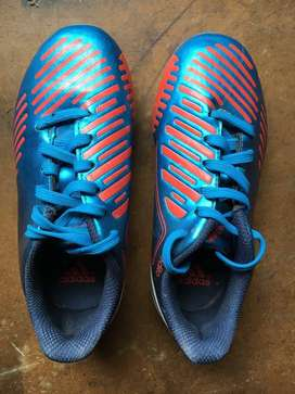 Botines Adidas, TALLE 28.5 , NUEVOS