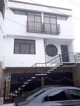 Oportinidad Vendo casa 3 pisos  con 3 apartamentos independientes
