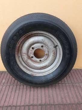 rueda completa compuesta por cubierta s14 camara y llanta de 5 agujeros