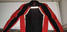 Vendo campera Motorman