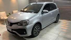 Vendo Toyota Etios Platinum Full Automatico Cuero, primer dueño, impecable, serice oficial, en garantia