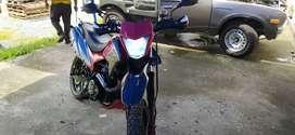 Moto AKT motor 200cc