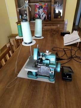 Maquinas de cocer y remalladora