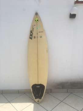 Tabla de surf 6'6 con quillas y pita