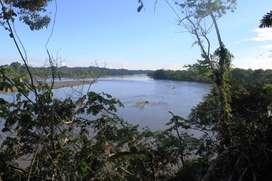Terreno a orillas del Rio Napo
