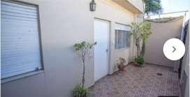 EN VENTA. Casa ideal para familia, consultorios, inversión