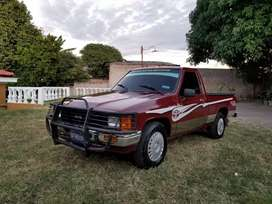 Toyota Hilux/22r Impecable