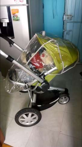 Coche para bebé marca QUINNY