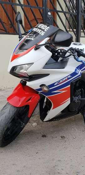 Vendo moto honda CBR500R