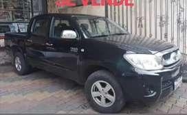 Vendo Camioneta Doble Cabina Toyota Hilux a gasolina 100000km, único dueño año 2011 excelente estado