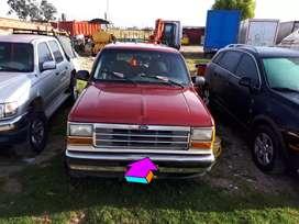 Ford Explorer XL