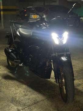 Moto Dominar 400 bajaj auteco (uma)