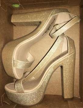 Zapatos Dorados talla 36