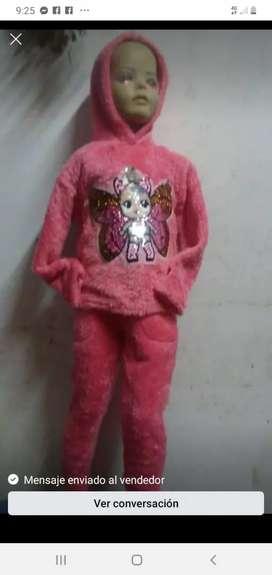 Se vende conjuntos para niños y niñas