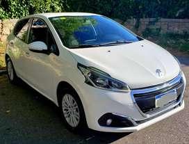 Peugeot 208  Allure Touch Cremm con Navegador linea nueva.