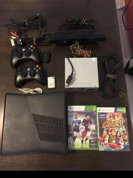 Xbox 360 Kinect 4G + 2 controles + 3 juegos