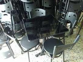 Mesas y sillas para negocios
