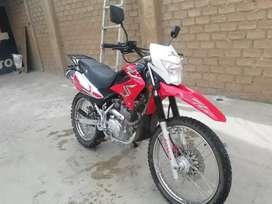 En venta moto semi nueva_-MARCA RONCO  200