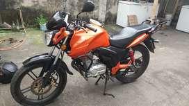 Se vende moto suzuki gsx cilindrage 125  en $1750 negosiable