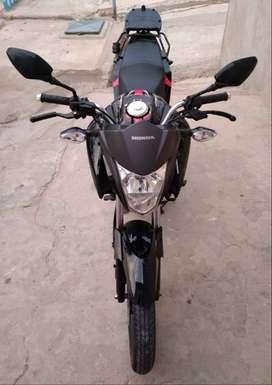 Vendo moto Honda CB125F