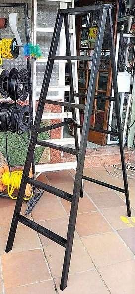 Escalera Metálica De 6 Pasos Tipo Tijera 250kg
