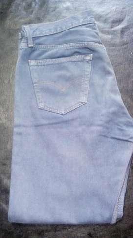 Vendo Jeans Levis 501 Talle 34