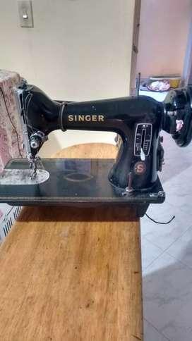 Se vende 2 máquinas de coser SINGER