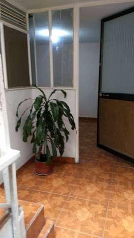 Arriendo apartamento, cocina y baño independiente, Av Boyacá.