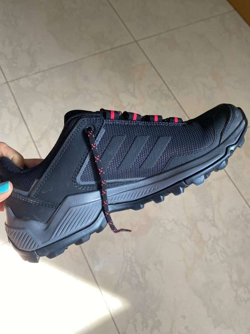 Adidas Terrex (Para hacer trekking talla 37,5)