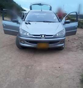 Vendo Peugeot Excelente estado.