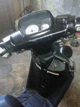 Se vende moto yamaha bws1 en buen estado modelo 203 solo tarjeta