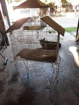Vendo jaula para pájaros