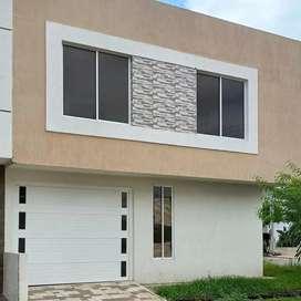 Se vende casa de dos pisos, tiene terraza, para estrenar muy buena ubicación